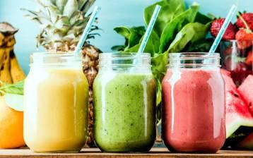 Frullato e bevuto: due ricette estive per succhi energetici e pieni di nutrienti